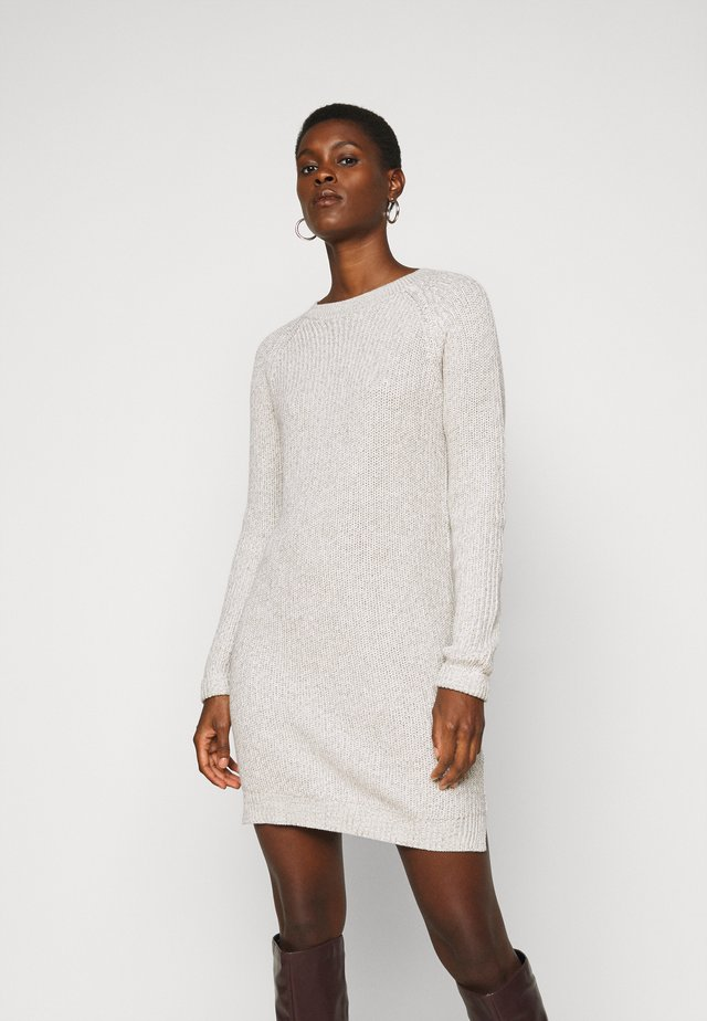 NMSIESTA O NECK DRESS - Shift dress - oatmeal