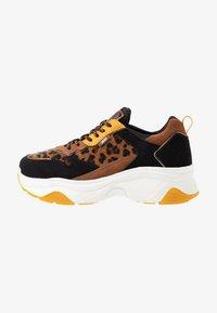 XTI - Sneakers - panama - 1