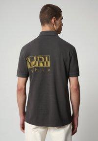 Napapijri - EALLAR - Polo shirt - dark grey solid - 1