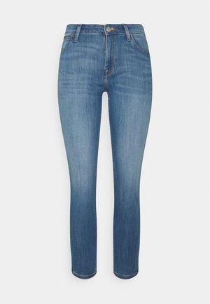 SCARLETT - Jeans Skinny Fit - light used
