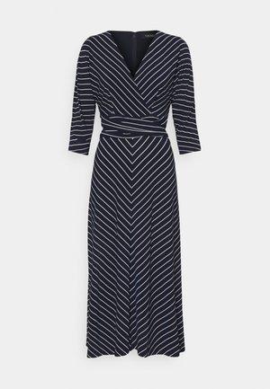 MATTE DRESS - Jersey dress - navy/colonial