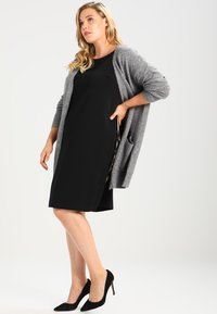 Zalando Essentials Curvy - Cardigan - light grey melange - 1