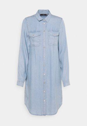 VMVIVIANAMIA REGULAR DRESS - Vestido vaquero - light blue
