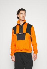 adidas Originals - ADVENTURE SPORTS INSPIRED - Felpa - orange - 0