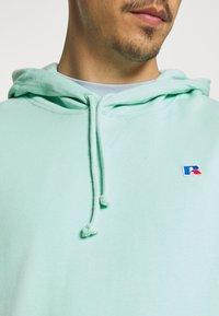 Russell Athletic Eagle R - MASON - Sweatshirt - lichen - 4
