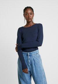GAP - CREW - Long sleeved top - true indigo - 0