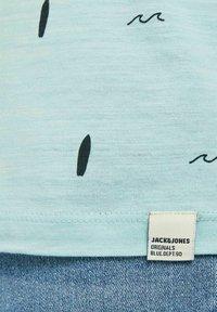 Jack & Jones - Print T-shirt - light blue - 6