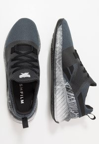Reebok - FLASHFILM TRAIN 2.0 - Obuwie treningowe - black - 1