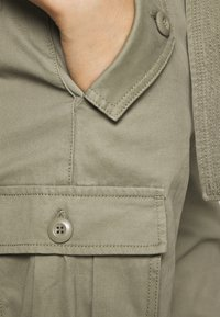 Replay - PANTS - Cargo trousers - moss green - 5