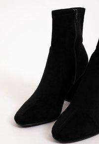 Pimkie - High heeled ankle boots - schwarz - 3