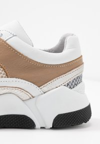 RE:DESIGNED - LAURY - Trainers - taupe - 2