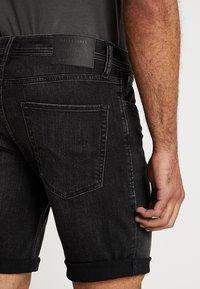 Jack & Jones - JJIRICK JJORIGINAL - Denim shorts - black - 5