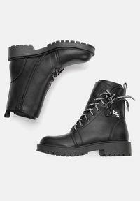Betsy - Lace-up ankle boots - schwarz - 2