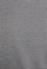 Opus - SAUMI - Camiseta estampada - black - 2