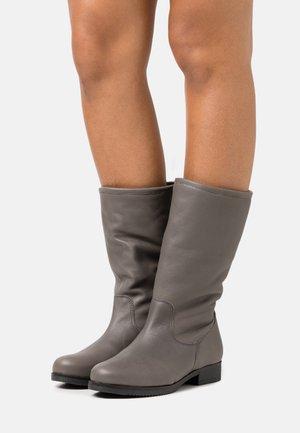 Boots - atenea grey