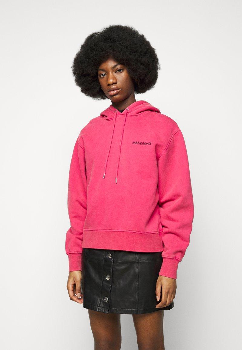 Han Kjøbenhavn - BULKY HOODIE - Felpa - faded dark pink