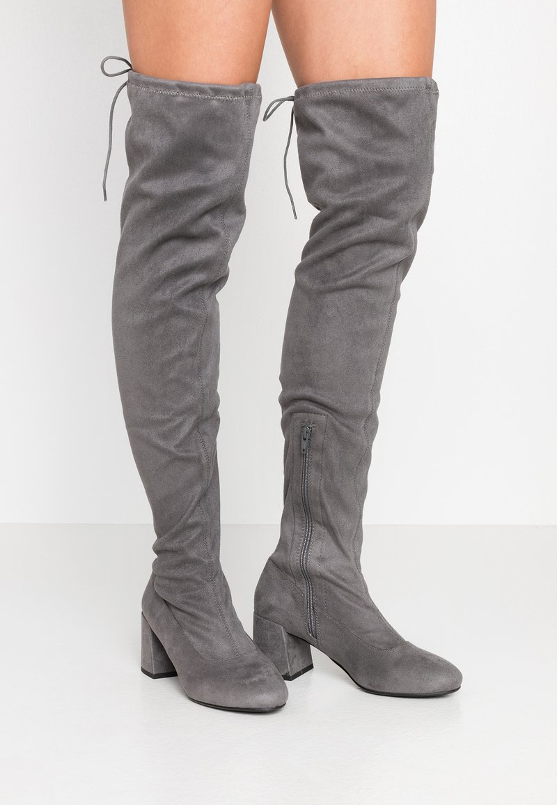 Miss Selfridge Wide Fit - WIDE FIT OSLO LOW BLOCK - Over-the-knee boots - charcoal grey