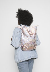adidas Originals - TOP 3D FOR HER SPORTS INSPIRED BACKPACK - Rucksack - copper - 0