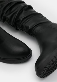 New Look Wide Fit - WIDE FIT CLOUD SLOUCH KNEE HIGH  - Laarzen - black - 5