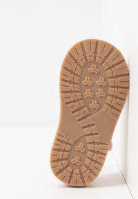 Walnut - BEA - Sandals - pink - 4