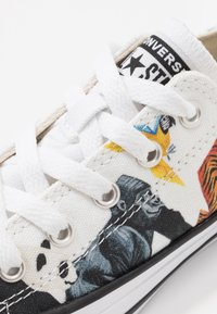 Converse - CHUCK TAYLOR ALL STAR - Trainers - white/natural ivory/black - 2