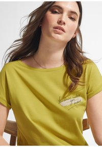 comma - Print T-shirt - green - 3
