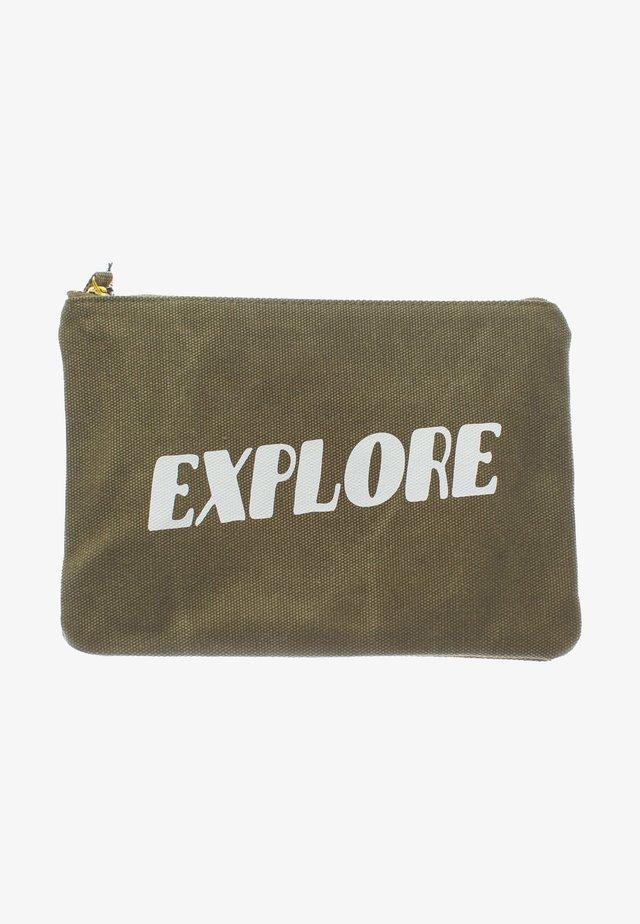 ZIPPER POUCH - Wash bag - explore