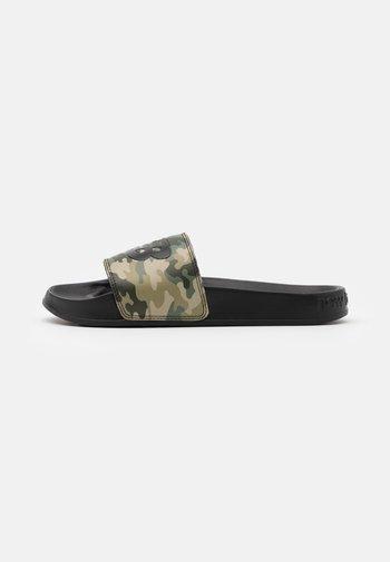 SMF200 - Sandali da bagno - black