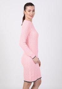 Basics and More - Etui-jurk - pink - 3