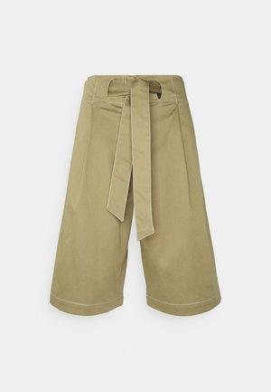 HEDDA - Shorts - sage green