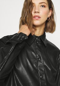 Weekday - LEXI PERFORATED - Camicia - black - 3