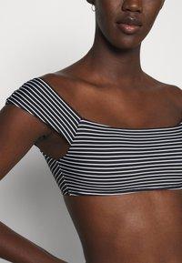 Seafolly - COLD SHOULDER BANDEAU - Bikini top - black/white - 4