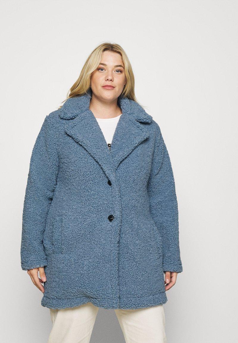 CAPSULE by Simply Be - TEDDY COAT - Classic coat - dusky blue