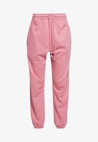 Missguided - OVERSIZED JOGGER - Pantalon de survêtement - pink - 3