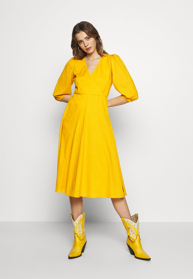 ELMINA - Denní šaty - sunflower