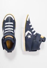 Converse - PRO BLAZE STRAP VARSITY - Zapatillas altas - obsidian/amarillo/white - 1