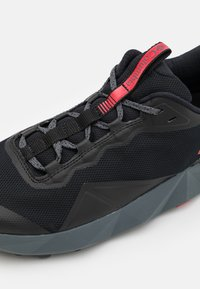 Columbia - FACET15 - Hiking shoes - black/bright red - 5
