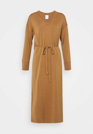 CALAMAI - Jumper dress - kamel