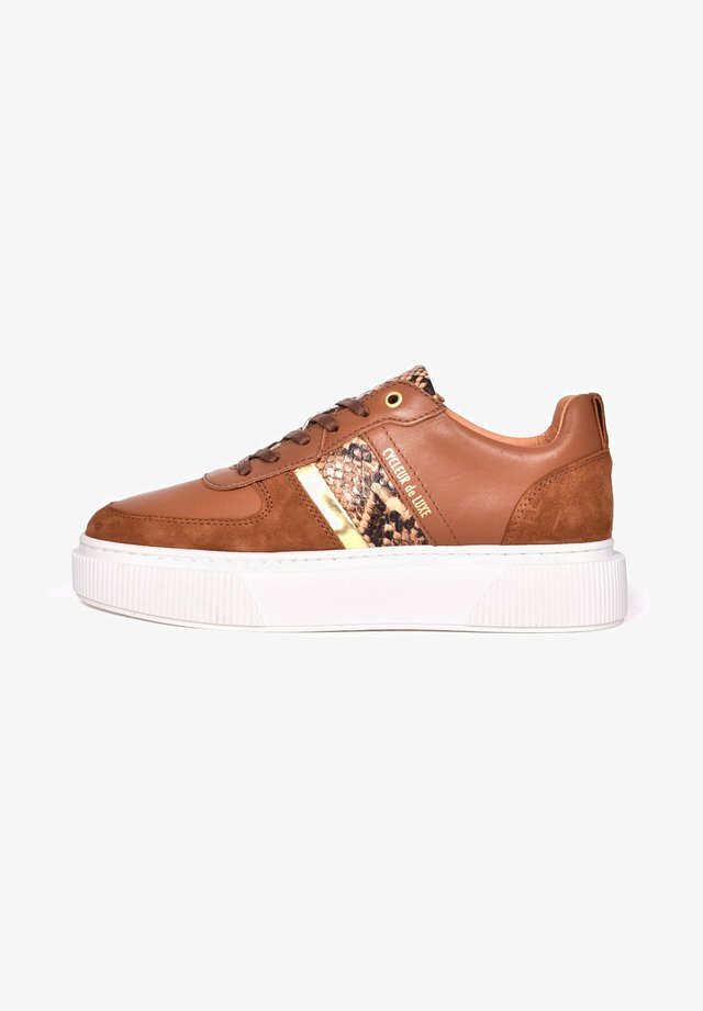 Trainers - cognac/gold