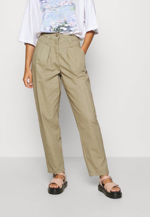 ELLA MENSY - Relaxed fit jeans - khaki