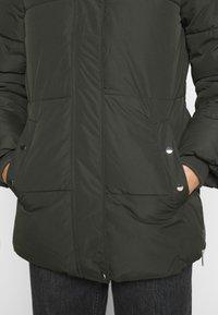 Vero Moda - VMFINLEY JACKET - Zimní kabát - peat - 6