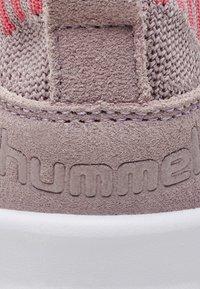 Hummel - BOUNCE SOCK LOW JR - Trainers - pale mauve - 5