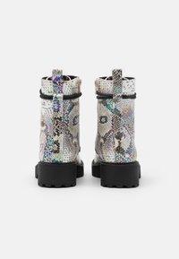 Steve Madden - JTORNADO - Lace-up ankle boots - beige - 2