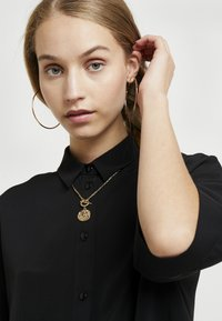 Monki - TAMRA BLOUSE - Button-down blouse - solid black - 4