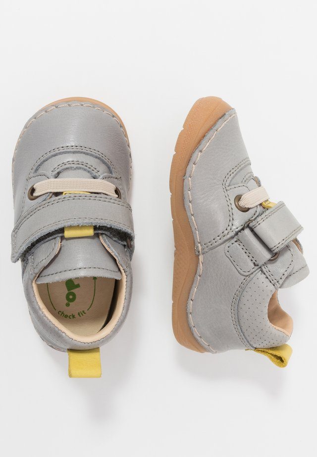 PAIX COMBO WIDE FIT - Lauflernschuh - light grey