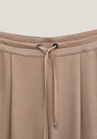 Massimo Dutti - Trousers - nude - 3