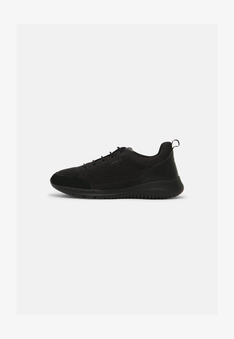 Geox - MONREALE - Sneakersy niskie - black