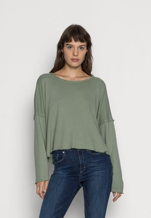 OPEN BACK - Sweater - earthy vibes