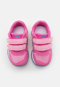 New Balance - IV500TPP - Trainers - pink - 3