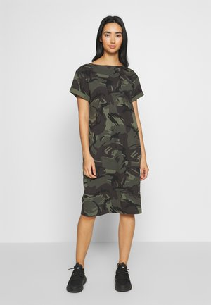 REI HOODED - Jersey dress - green